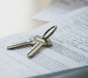 House keys on mortgage document