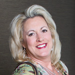 Lora-Mahnke-Broker-Associate-Century-2-New-Heritage-Northwest-Suburbs