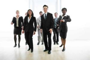 real-estate-brokerages-offer-services-for-real-estate-agents-coldwell-banker-keller-williams-baird-and-warner-remax-