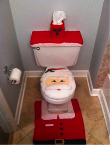 santa-toilet-bad-christmas-decorations