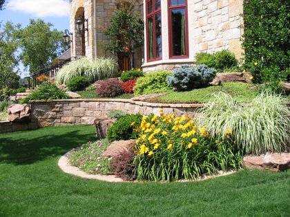 line-shape-space-landscaping-value-spring-homebuying-season