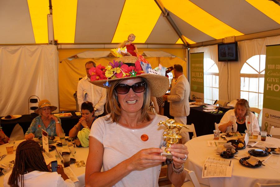 Cindy-Sullivan-Winner-of-Best-Hat-Award.jpg