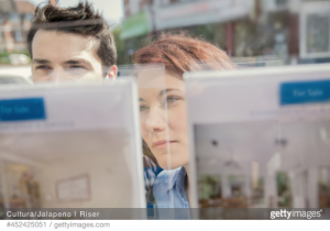 first-time-homebuyers-small-market-share-nar-profile-buyers-sellers-student-debt-income-jobs-economy