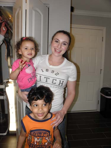 Amanda-Henison-with-her-children-Eliana-and-Josiah.jpg