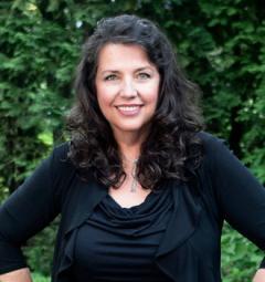 Caroline Senetar