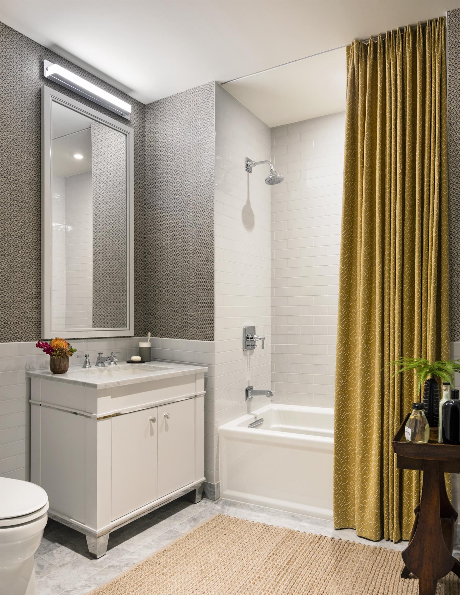 11_One-Bennett-Park-Condo-5106-Secondary-Bathroom.jpg